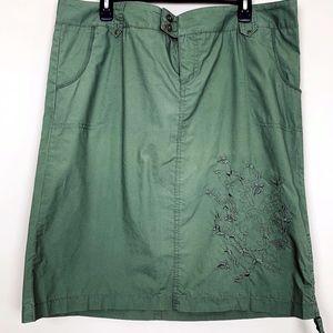 ❤️Torrid Olive Green Embroidered Skirt NWT 16